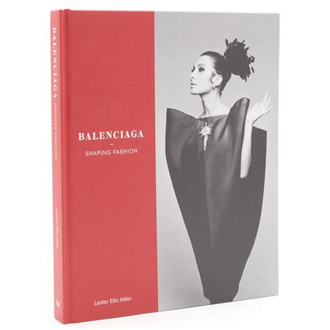 It Fashion v a 183 balenciaga shaping fashion