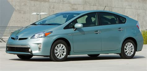 Toyota Prius In Review 2015 Toyota Prius In Review Cargurus