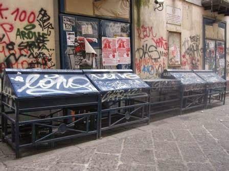 librerie alba napoli la storia di napoli e pompei va in frantumi tra monumenti