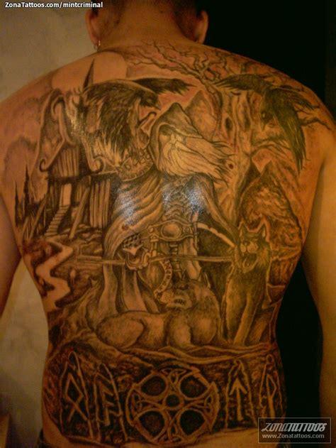 imagenes de tatuajes de vikingos tatuaje de vikingos espalda