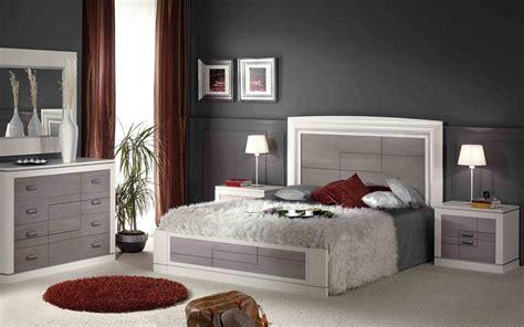 imagenes habitaciones rojas dormitorios plateados
