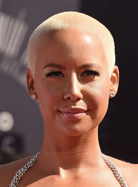 amber rose almost bares it all on 2014 mtv vmas red carpet