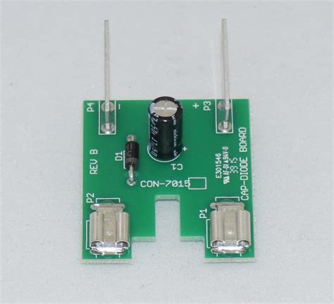 capacitor on circuit board con 7015