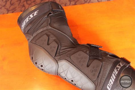 Dainese Knee Six Soft Protector 2017 dainese protection