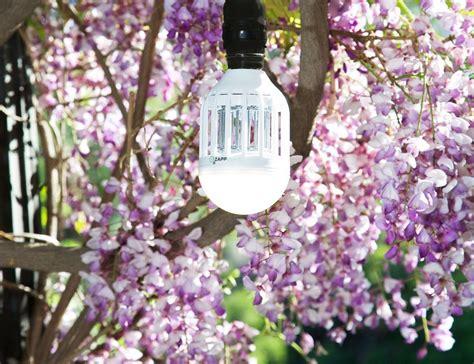 led bug light bulb zapplight led light bulb and bug zapper 187 gadget flow