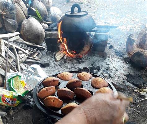 Pemanggang Kue Bolu hangat bolu mandar dengan teknik panggang talongnge