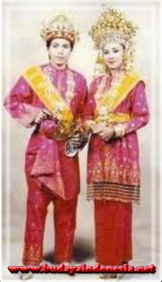Baju Adat Aceh list of names pictures and custom clothing and its regions