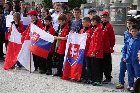 Sepatu Merek Elgan ceremonia otwarcia festiwalu sportu jas蛯o 2013