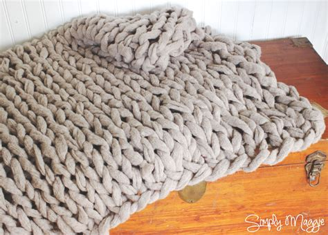 how to knit chunky blanket how to arm knit a blanket in 45 minutes with simply maggie