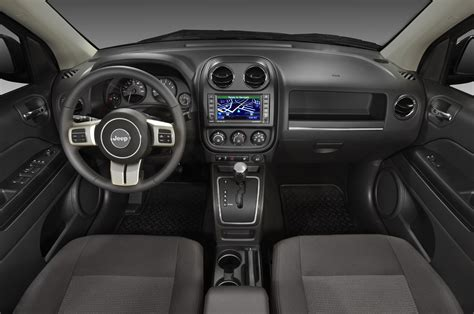 jeep compass interior 2015 2013 jeep compass reviews and rating motor trend