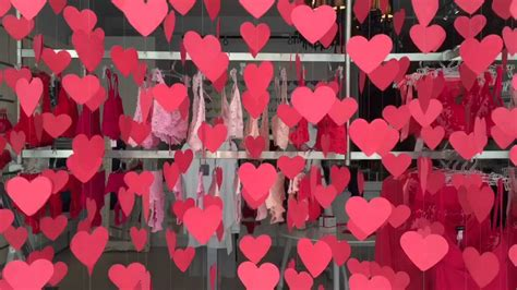 valentines day window hyperlapse of a s window display at