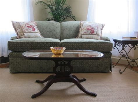 staging furniture 2