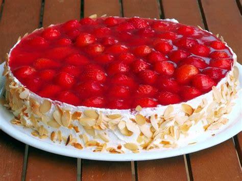 emily erdbeer kuchen emily erdbeer and erdbeeren on