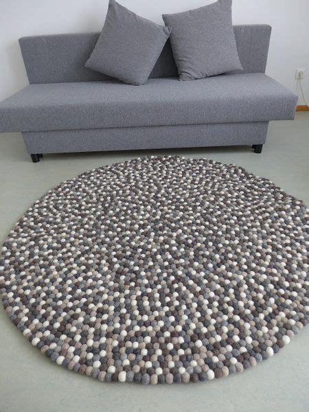 teppich aus filzkugeln 220 ber 1 000 ideen zu bommel teppich auf