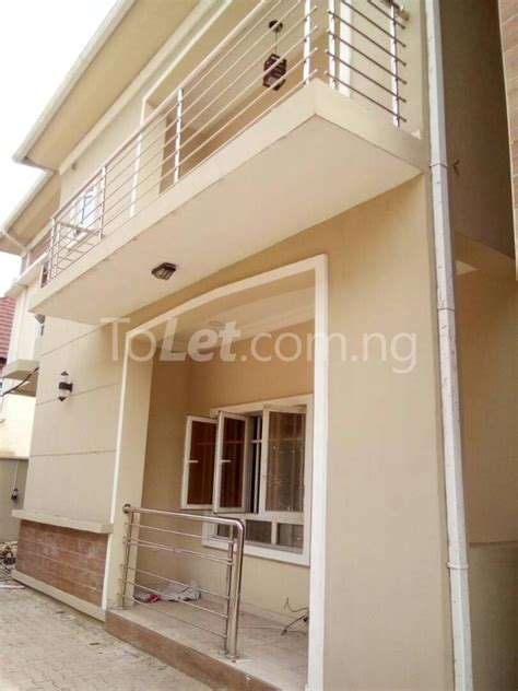 3 bedroom flat for rent in london 3 bedroom flat apartment for rent behind shoprite mall