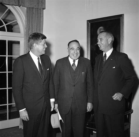 vice president lyndon baines johnson living among the kennedys books kn 19391 president f kennedy visits with vice