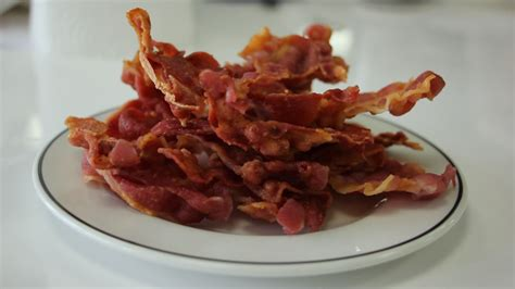 Crispy Bacon how to cook bacon in the microwave yes microwaving crispy bacon is a thing metro news
