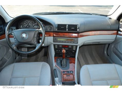 2002 bmw 5 series 525i sedan sand dashboard photo