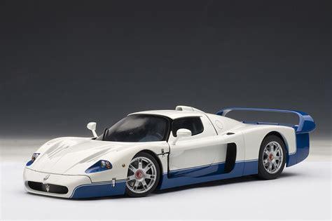 autoart maserati mc12 pearl white 75801 in 1 18 scale