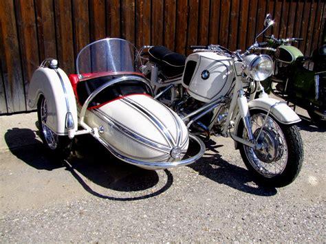 Bmw Motorrad 50ger Jahre by Bmw Motorrad Mit Beiwagen Aus Den 50ger Jahren Aufgenommen