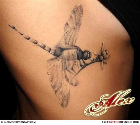 tattoo back poop flies realistic dragonfly tattoo back tattoo pinterest