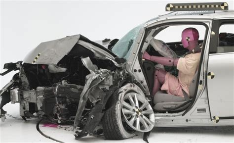 IIHS Adds New Frontal Crash Test, Most Cars Expected to
