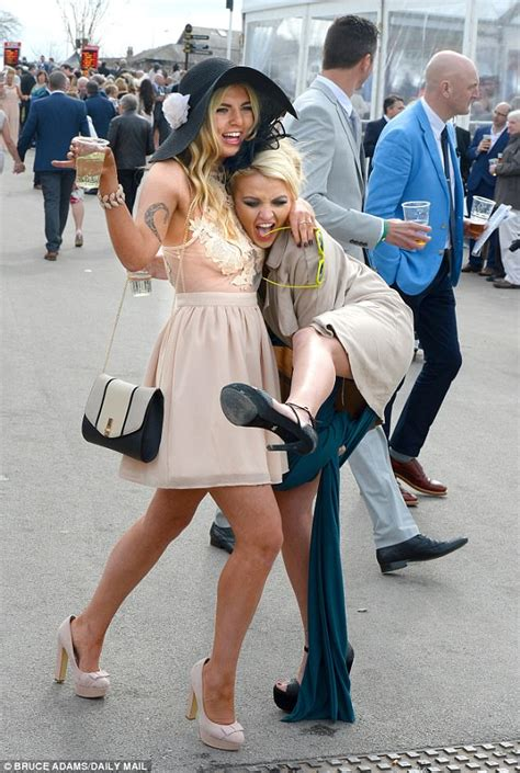 aintree bosses insist   dress code  festival