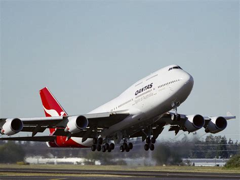 qantas freight profits in rapid descent ǀ air cargo news