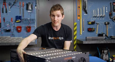 linus tech what does linus tech tips want with a petabyte system