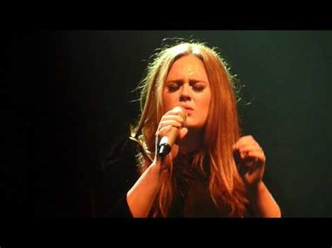 Adele Turning Tables Traduction by Adele Turning Tables Live In Manchester Academy 17