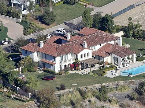 justin biebers house los angeles sheriff s department arrest lil za during search of justin bieber s home