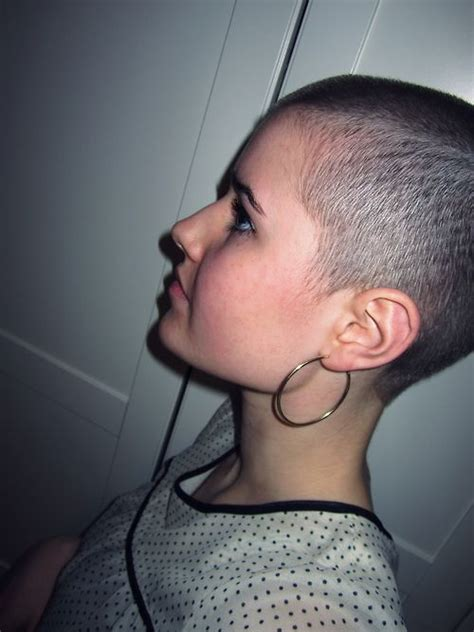 buzzed women haircut 17 best images about girl buzzcuts on pinterest buzzed