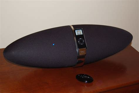 Zeppelin Speakers From Bowers Wilkins Techie Divas Guide To Gadgets by B W Zeppelin Speaker System For Ipod Review Audioholics
