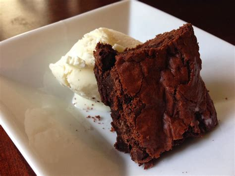 Fudgy Nutella Brownie stop everything and make these fudgy nutella brownies right now