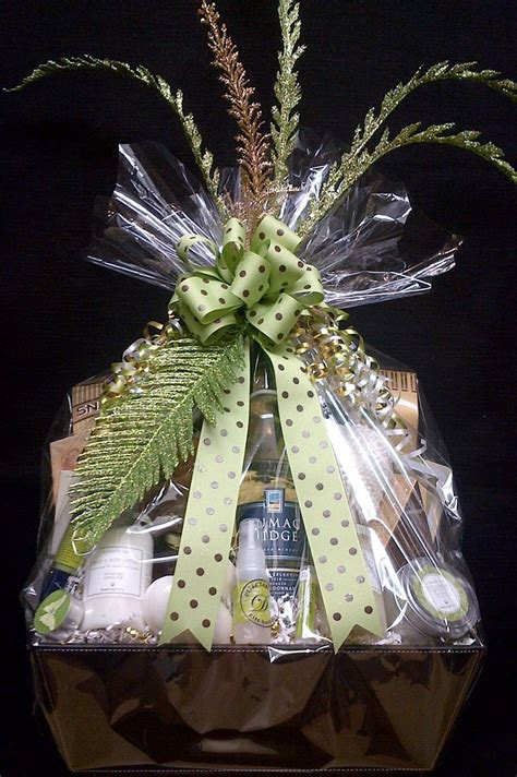 how to wrap gift basket best 20 spa gift baskets ideas on