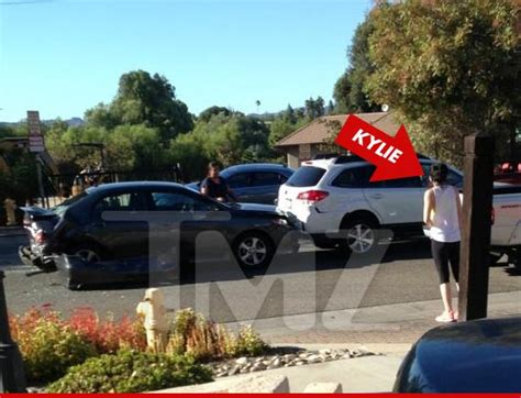 kylie jenner in car accident