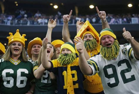 green bay packers fans family buys ad thanking packers for memories after father