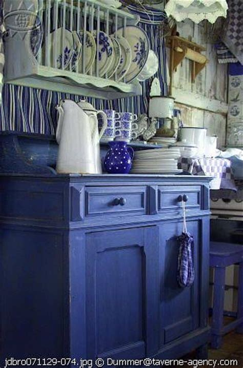 blue and white country kitchen blue and white