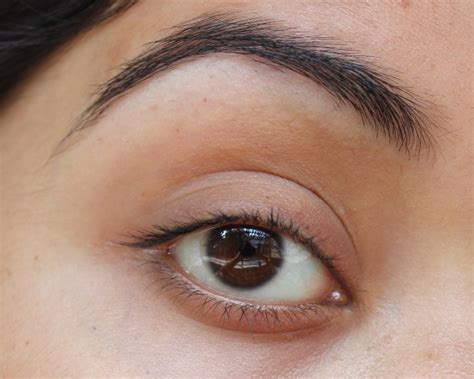 light to eyeshadow light and green eyeshadow tutorial