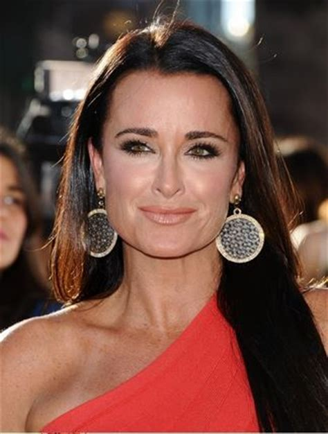 does kyle richards have hair extensions brandi glanville kyle in jennifer miller earrings celebrity fans