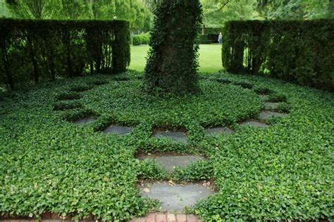 Formal Garden Layout Formal Garden Design Traditional Landscape Chicago By Www Karlgercens