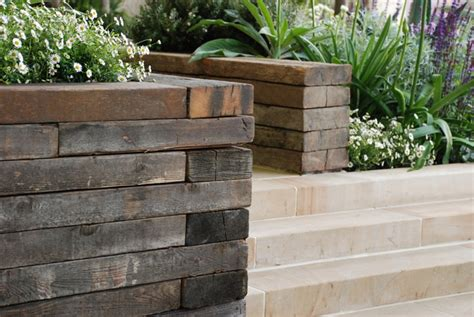 Sleeper Walls by The Day Of The Chelsea Flower Show Cox Garden