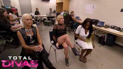 Wwe Total Divas S05e05 2017 Natalya Finally Gets Booed From The Wwe Universe Total Divas January 4 2017 Youtube