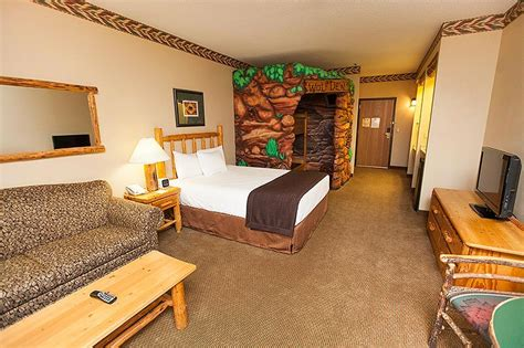 great wolf lodge bedrooms indoor water park in wisconsin dells wi greatwolf com