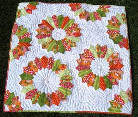 Flower Quilt by 10 Modern Flower Quilt Patterns You Ll