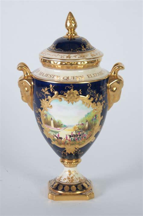Coalport Vase by Limited Edition Coalport Elizabeth Ii Royal Commemorative