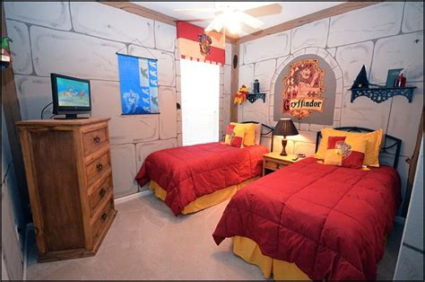 hogwarts bedroom ideas turn your room into the hogwarts dormitory of your dreams