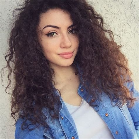 brunette curly hairstyles beauty blue brunette curls curly hair cute dreamgirl