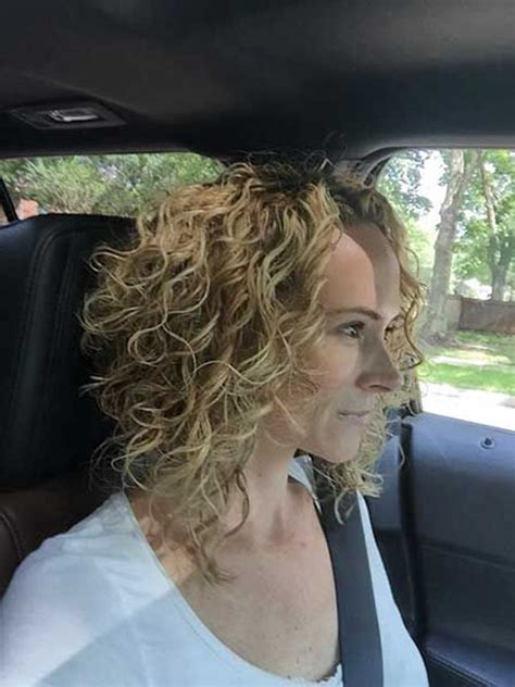 curly inverted bob hairstyles    ideas
