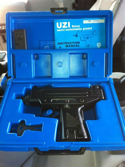 Florida Firearm Background Check A Reader Just Bought This 9mm Uzi And All He Needed Was And A Driver S Licence